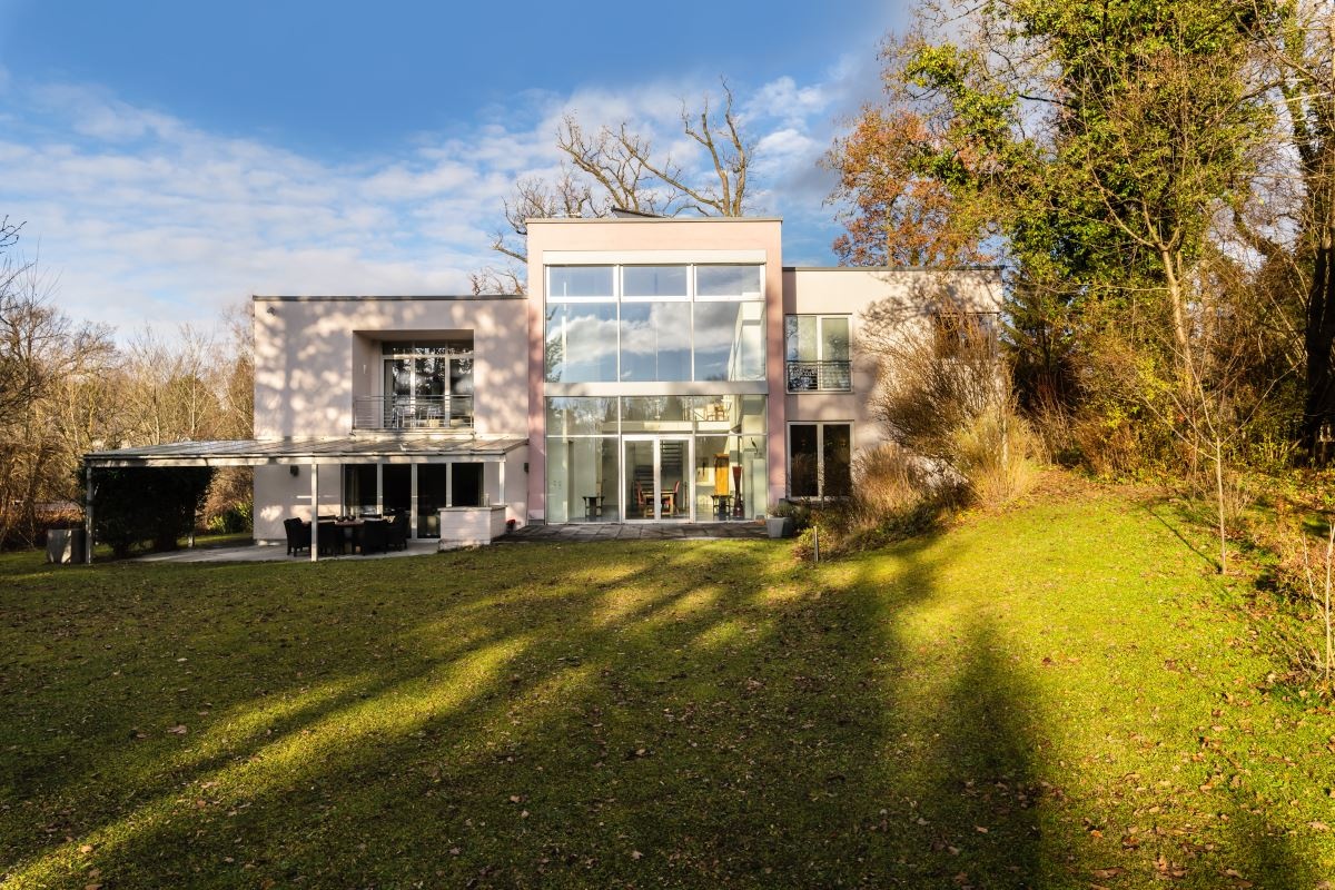 Moderne Bauhaus Villa